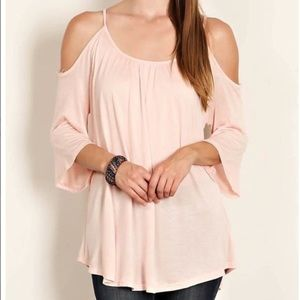 Trindy Clozet Boutique Tops - Basic Blush Blouse
